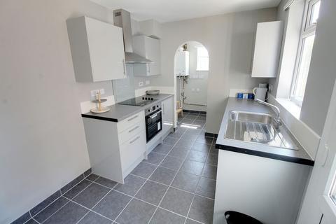 3 bedroom semi-detached house to rent - Thistlemoor Road, Peterborough, PE1 3HP