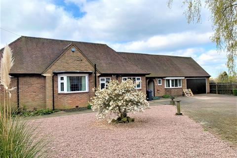 3 bedroom detached bungalow to rent - Markfield Lane, Markfield