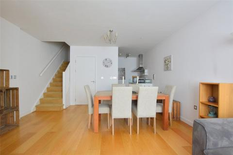 2 bedroom apartment to rent - Calvert Road, Greenwich, London, SE10