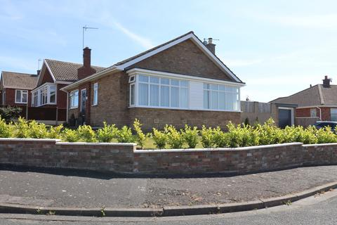 2 bedroom detached bungalow for sale - Sandsacre Avenue, Bridlington