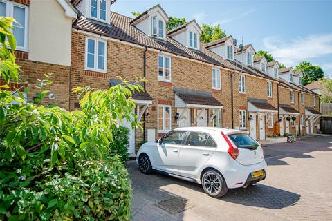 3 bedroom terraced house for sale - Bridgeside Mews, Maidstone, Kent, ME15