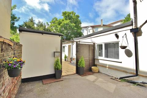 2 bedroom apartment for sale - Granada Road, Southsea