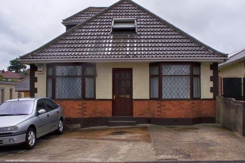 House share to rent - Single Room in House Share Available -24 Alcester Road, Poole