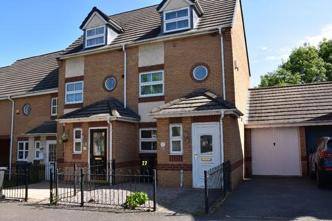 4 bedroom semi-detached house to rent - Kestrel Lane, Hamilton, Leicester
