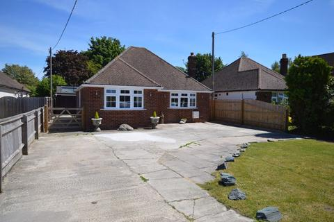 2 bedroom detached bungalow for sale - Weston Turville