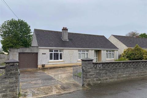 2 bedroom detached bungalow for sale - Cardigan Road, Haverfordwest