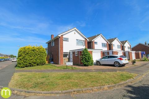 3 bedroom detached house for sale - Crosstree Walk, Colchester, CO2