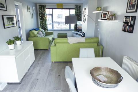 3 bedroom semi-detached house to rent - Kirkway, HU10