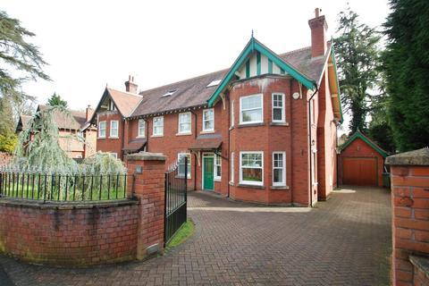 5 bedroom property to rent - Ladybrook Road, Bramhall, Stockport