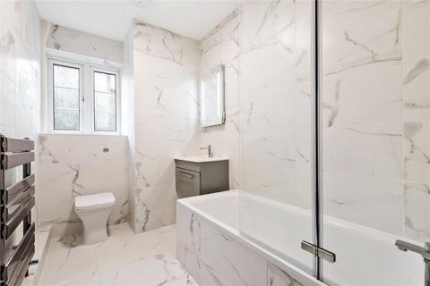 2 bedroom flat for sale - Friern Park, London, N12