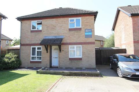 3 bedroom detached house for sale - Swallowfield, Peterborough