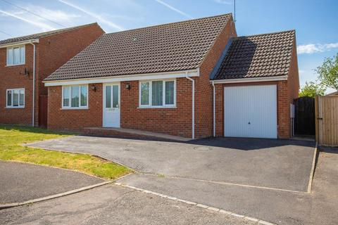 3 bedroom detached bungalow for sale - Campion Close, Aylesbury