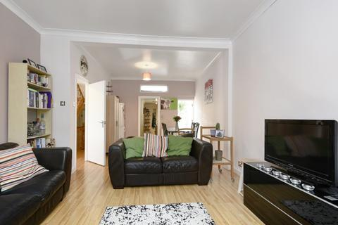 4 bedroom house to rent - Combermere Road London SW9