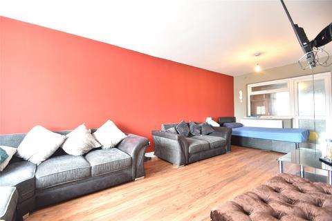 3 bedroom terraced house to rent - Penshurst Road, Maidenhead, Berkshire, SL6