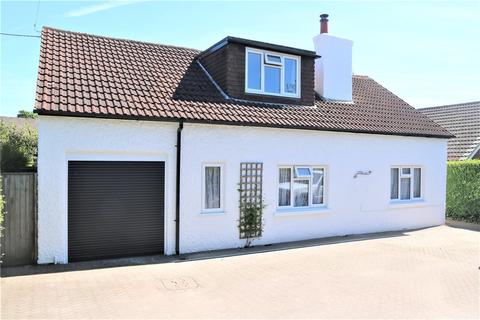 4 bedroom detached bungalow for sale - Goring Road, Woodcote, Reading, RG8