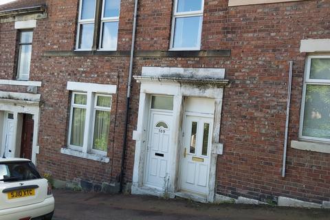 2 bedroom flat to rent - Moore Street, Gateshead NE8