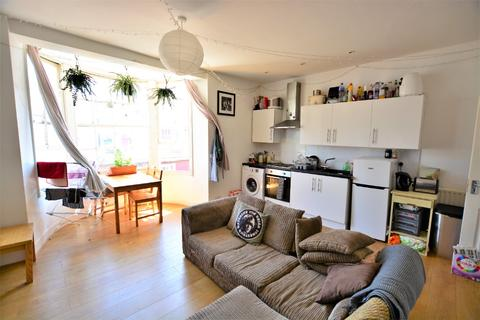3 bedroom flat to rent - Bedford Place, City Centre, Brighton, BN1 2PT
