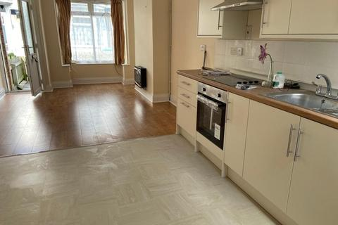 2 bedroom terraced house to rent - Poplar Avenue, Hull