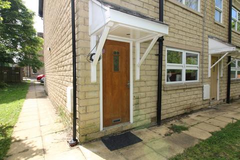 2 bedroom flat to rent - Yeoman Fold, Burnley, Lancashire, BB12 0ND