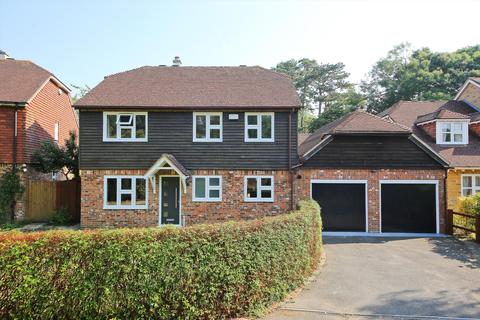 4 bedroom detached house for sale - Well Close, Leigh, Tonbridge, Kent, TN11
