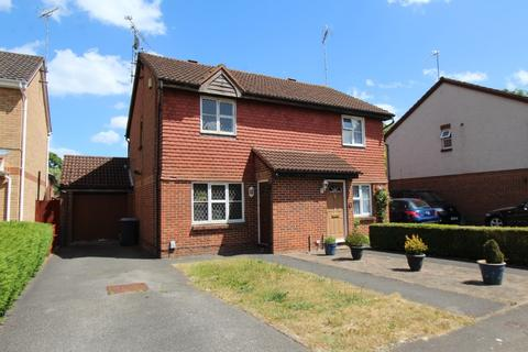 3 bedroom semi-detached house to rent - Huscarle Way, Tilehurst, Reading, RG31 6GE