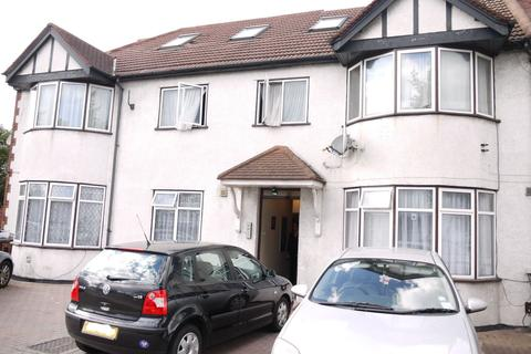 2 bedroom apartment to rent - Highfield Avenue, London, NW11