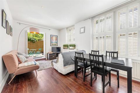 2 bedroom maisonette for sale - Queenstown Road, SW8