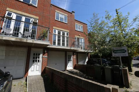 3 bedroom townhouse to rent - Southsea, Malvern Road UNFURNISHED