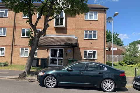 2 bedroom flat to rent - Quilter Close , Luton  LU3