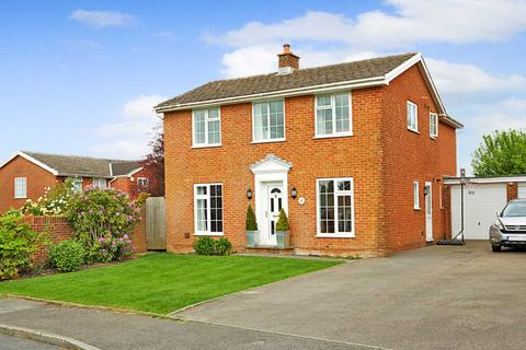 4 bedroom detached house for sale - Little Footway, Langton Green
