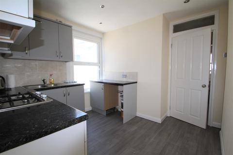 2 bedroom flat to rent - Desborough Road, St Judes, Plymouth