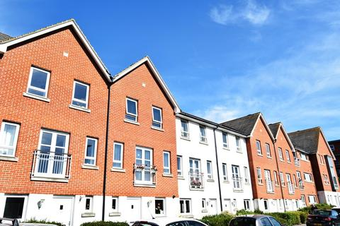 4 bedroom townhouse for sale - 91 Newfoundland Drive, Poole
