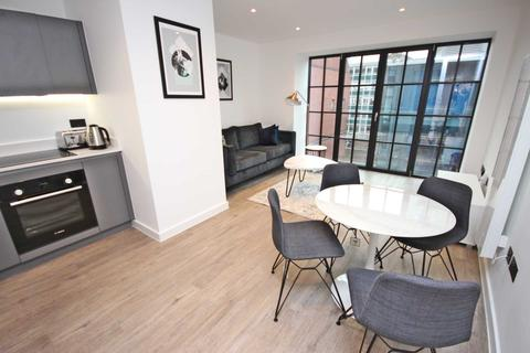 Studio to rent - George Street, Manchester