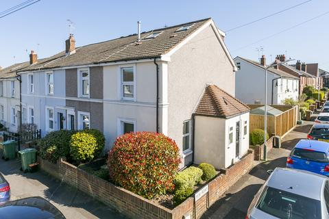 3 bedroom end of terrace house for sale - Edward Street, Southborough