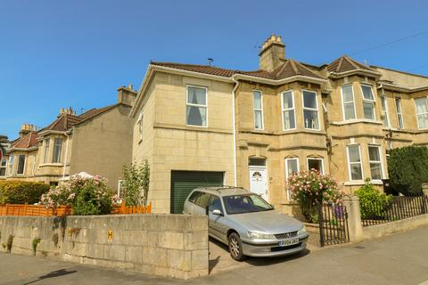3 bedroom end of terrace house for sale - Shaftesbury Road, Oldfield Park , Bath
