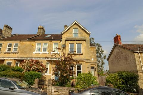 4 bedroom end of terrace house for sale - Bellotts Road, Oldfield Park, Bath