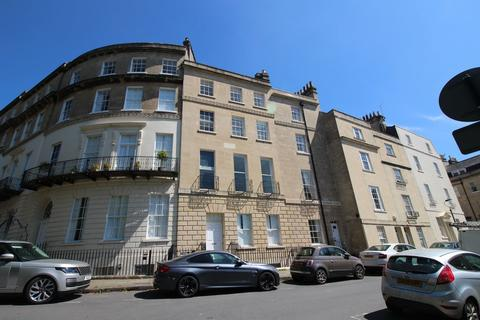 3 bedroom terraced house to rent - Cavendish Place , Bath