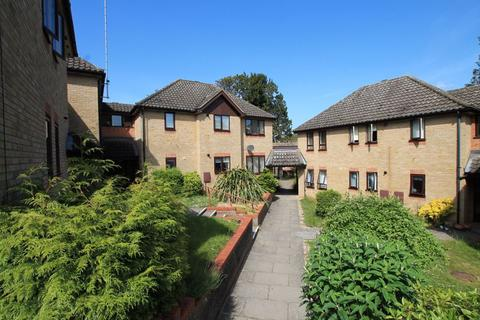 2 bedroom apartment for sale - Yew Tree Court, Bury St. Edmunds