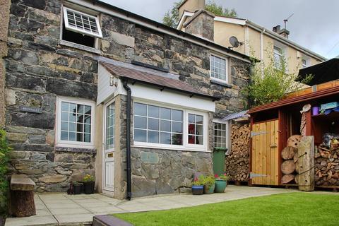 3 bedroom semi-detached house to rent - Dob, Tregarth, Bangor, LL57