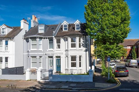 4 bedroom end of terrace house for sale - Westbourne Gardens, Hove, East Sussex, BN3 5PL