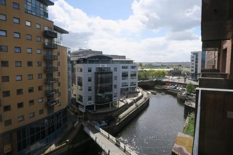 2 bedroom flat to rent - Wharf Approach, , Leeds, LS1 4GQ