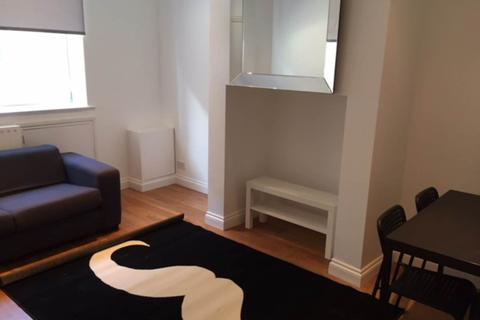 1 bedroom house share to rent - Delph Hill, ,