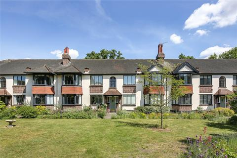 2 bedroom flat to rent - Forest Court, London, E11