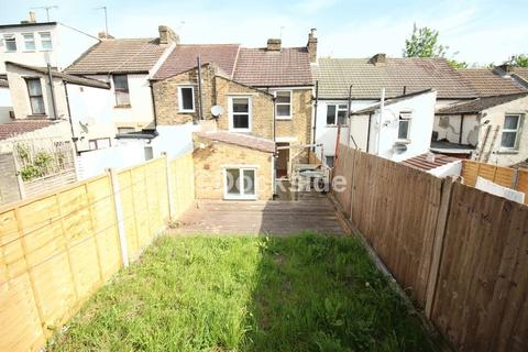 3 bedroom terraced house for sale - Herman Terrace, Chatham