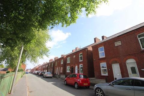 2 bedroom semi-detached house to rent - Ledward Street, Winsford