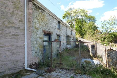 4 bedroom property with land for sale - Llanwinio, Cwmbach, Whitland