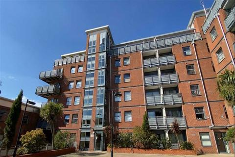 2 bedroom flat for sale - Berber Parade, Shooters Hill, London, SE18