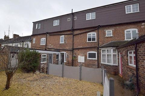2 bedroom flat to rent - Oulton Road, Stone