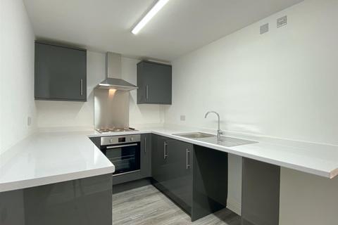 1 bedroom ground floor flat to rent - Carmarthen Road, Swansea
