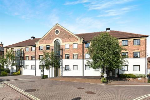 2 bedroom flat for sale - Postern Close, Bishops Wharf